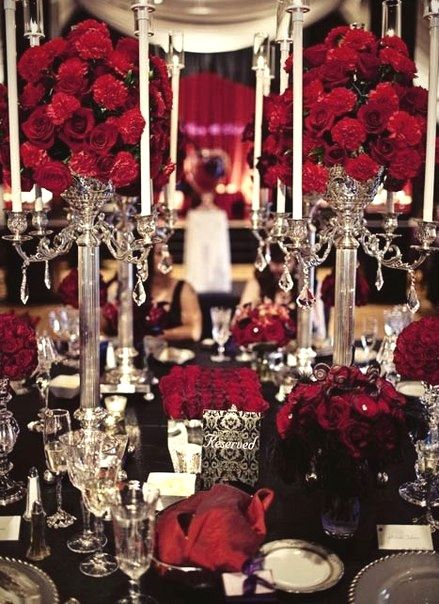 Black and red table setting Halloween goth party wedding & 22 best Table settings images on Pinterest   Gothic wedding ...