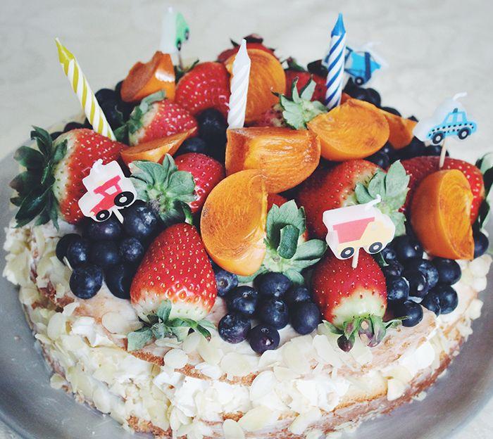 Праздничный торт с ягодами - Полавкам.