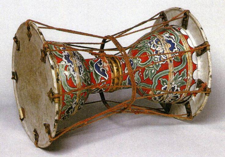 正倉院の楽器  三鼓(奈良時代)