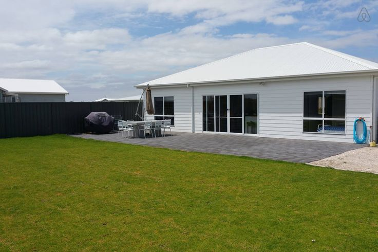 Our backyard, with BBQ and outdoor setting Villa Malmö Holiday Rental Robe South Australia Vacation Rental