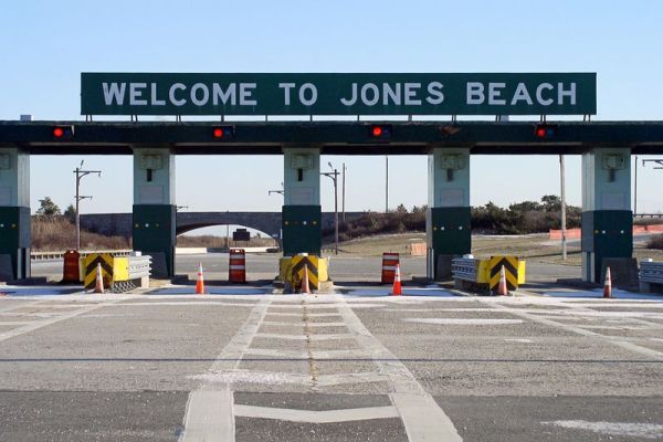 images of Jones Beach, Long Island, NY | 15 posted on 11/27/2012 12:58:45 PM PST by oh8eleven (RVN '67-'68)