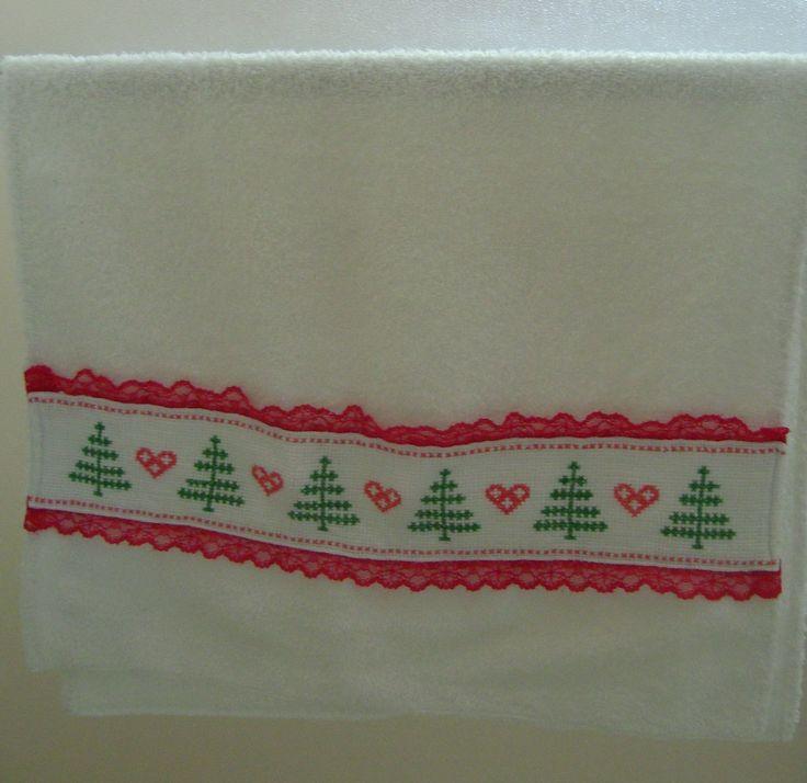 Toalla de cara con aplique en punto cruz toallas for Apliques para toallas