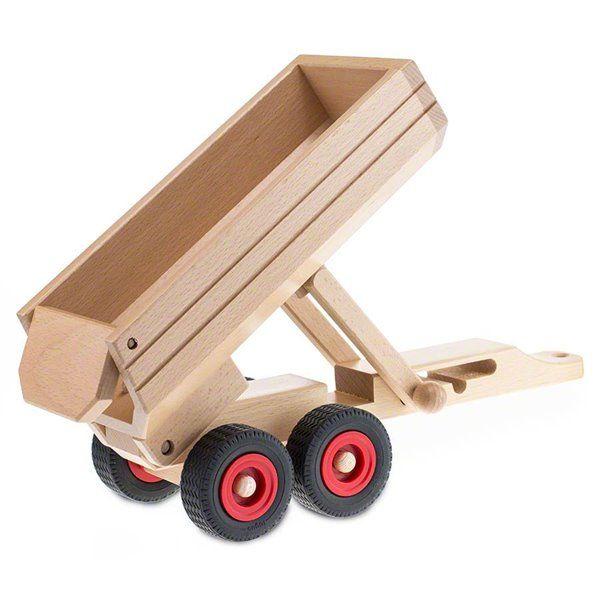 Der Muldenkipper- Anhänger aus Holz von Fagus ist die ideale Ergänzung für die Basis-Fahrzeuge wie Traktor, Jeep, Lkw und Uni-Mog.