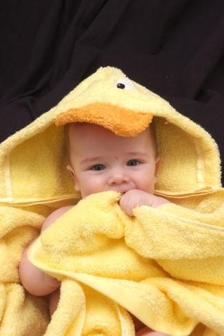 Duck hooded towel - so cute!: Infants Hoods, Animal Hoods, Hoods Towels, Baby'S Kids Ideas, Bath Towels, Beach Time, Ducks Hoods, Ducks Infants, Bath Time
