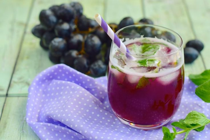 grape  mocktail_Easy Potluck Recipes 21