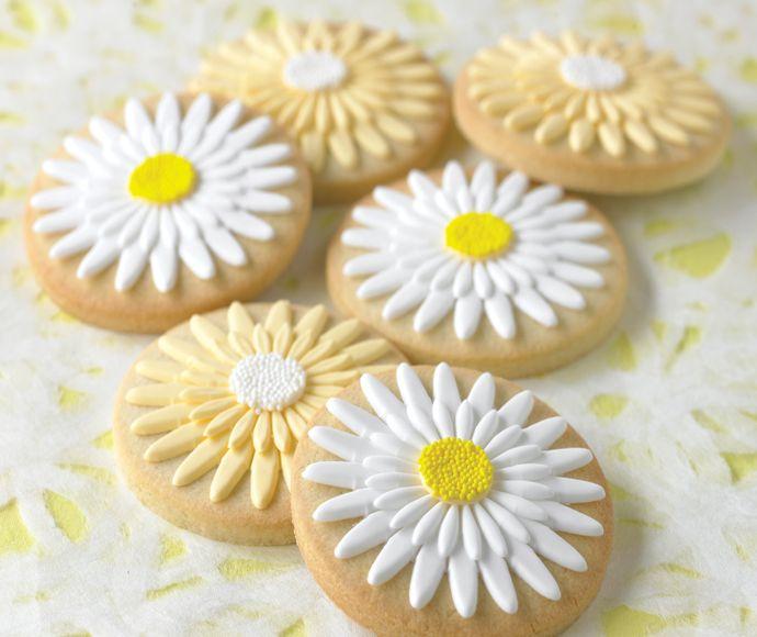 Yellow daisy cookies