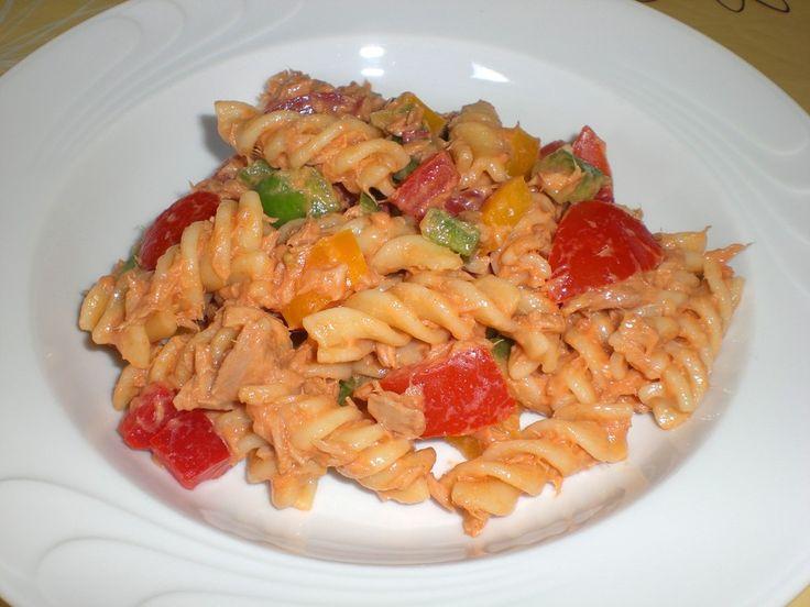 Paprika - Nudel - Salat mit Thunfisch, ein tolles Rezept aus der Kategorie Pasta. Bewertungen: 17. Durchschnitt: Ø 4,5.