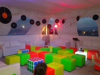 Fiestas Retro,disfraz, Renta,salas Lounge,periqueras,80s 90s