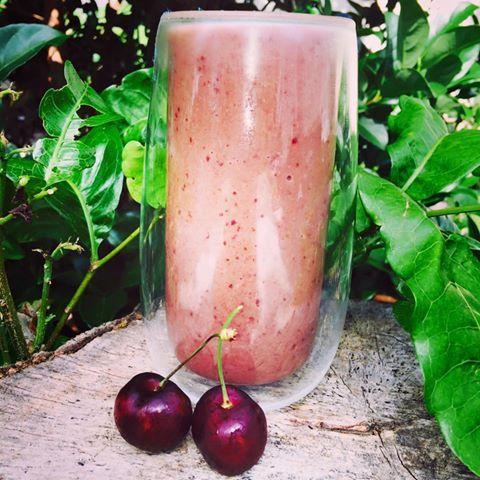 Choc Cherry Healthy Mummy Smoothie Recipe