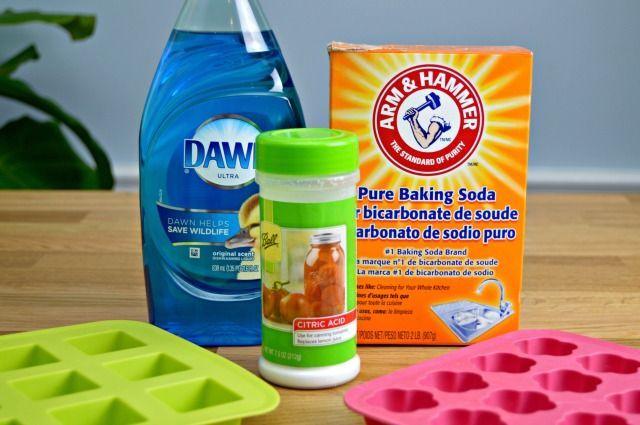 3 Ingredient Homemade Toilet Cleaning Bombs 1c baking soda, 1/4 c citric acid, 1 Tbsp detergent