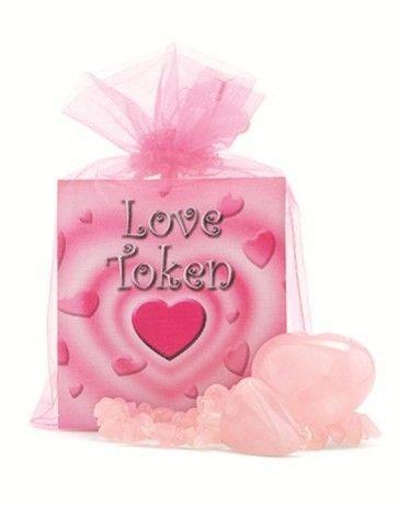 Valentijnsdag, de een vindt het commerciële onzin terwijl de ander er vol voor gaat en een bijzonder persoon verrast met een romantisch gebaar, een mooie bos bloemen of een lief cadeau. Valentijnsd…