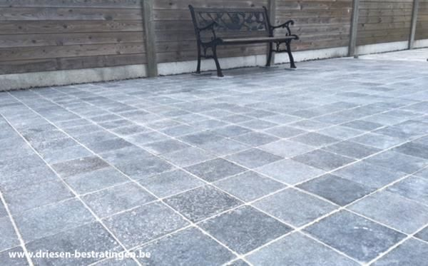 Natuursteen Tegels Terras.Terras Met Rustico Natuursteen Terrastegels In 2019