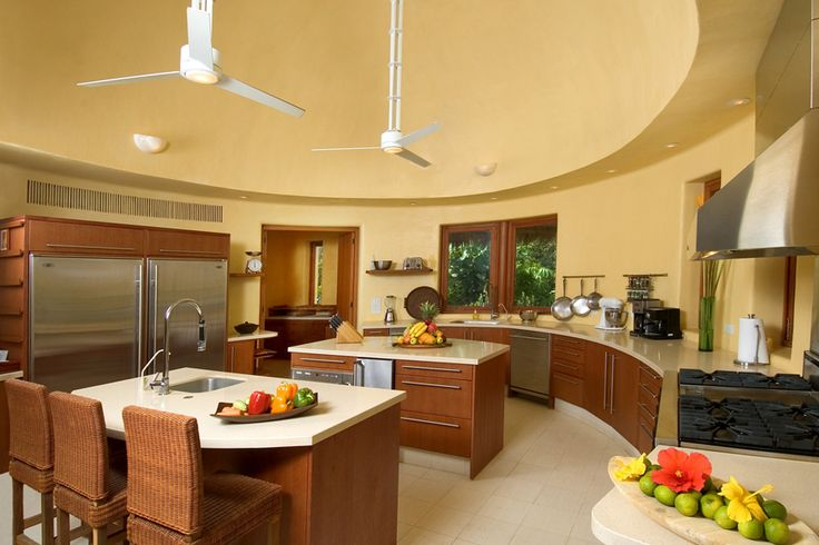 luxurious kitchen | this ample and luxurious kitchen is part of palmasola a lavish private ...