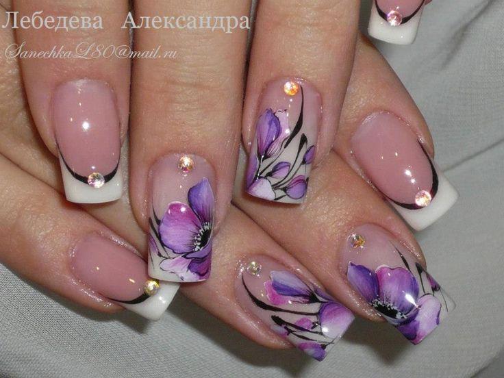 virágos körmök