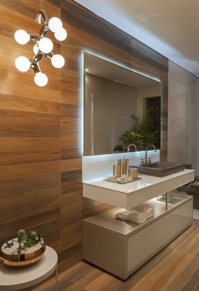 Good badgestaltung ideen moderne bader badezimmer in braun und weis eckiger spiegel mit beleuchtung