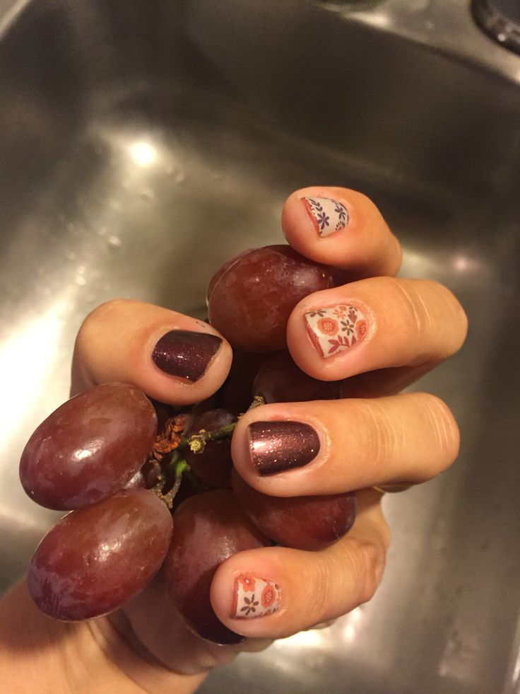 Cooler weather is here! Affordable fashion meets DIY manis and pedis! #BohoBlosssomsjn and #sparklingmarsalajn. Happy nails! Jojam.jamberry.com