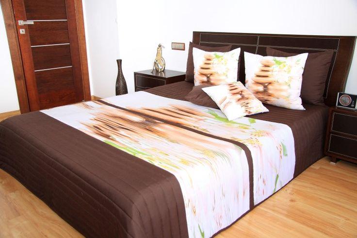 3D přehoz na postel hnědé barvy s motivem květů