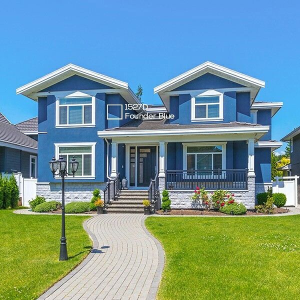 Warna biru dapat digunakan secara efektif untuk menciptakan desain eksterior yang indah.  #ImajinasiTanpaKompromi #coloureducation #Modern #Paint #Colour #Wall #Home #exterior #NipponPaintIndonesia