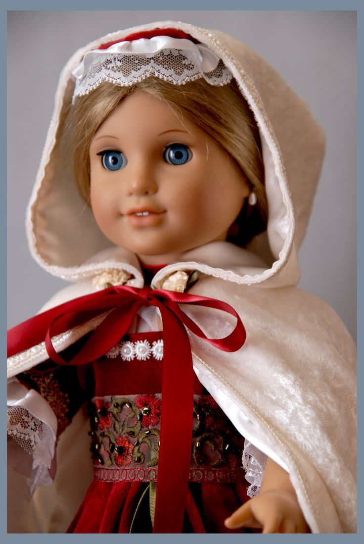 Holiday Colonial outfit for American Girl dolls Elizabeth and Felicity. Original Designs & created by Dollhouse Designs http://www.etsy.com/shop/DollhouseDesigns