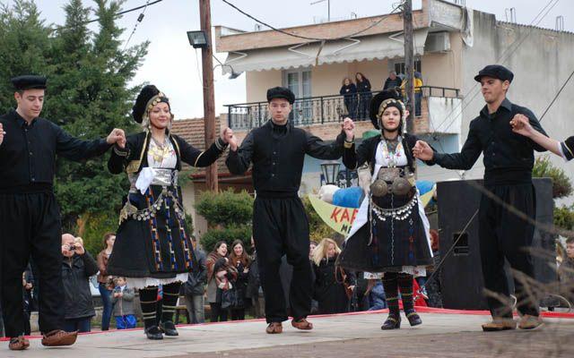 Χειροκροτήθηκαν θερμά τα χορευτικά συγκροτήματα στην Μελίκη