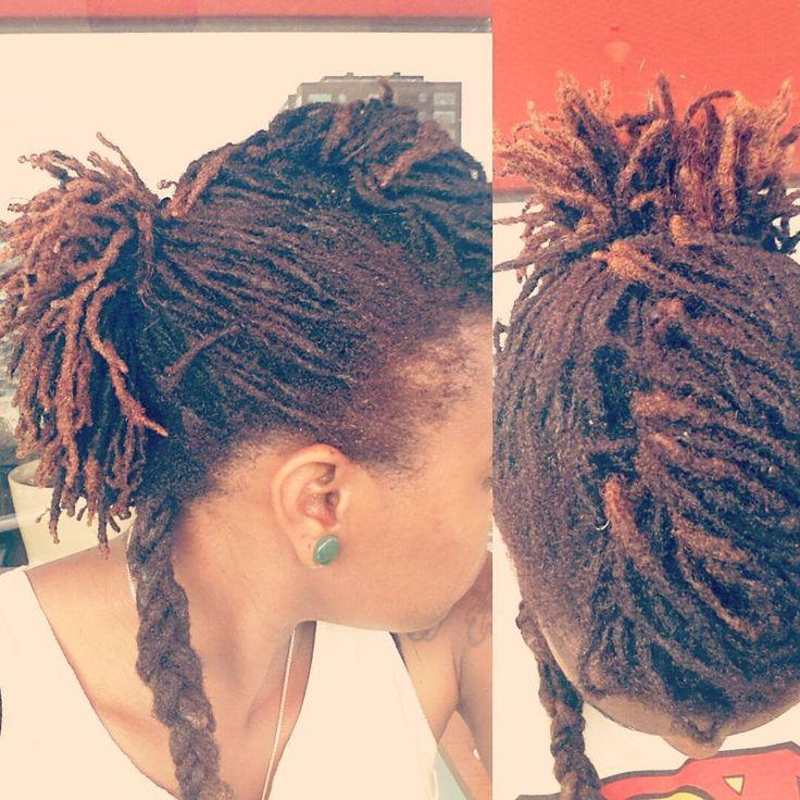 This is me! Korte dreads kunnen prima in een staartje! #dreadsbymeghan #locs #dreadhead #locstyles #rotterdam #hair #meghan #dreadlocks #rasta #naturalhair #ponytail #dreadhawk