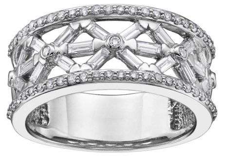 14Kt White Gold ring with  0.70ct diamonds