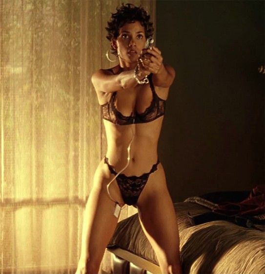 Top forever Halle Berry Sexy & N_ude Pics (Photos & Videos) - posted by La Afrique Media at La Afrique Media