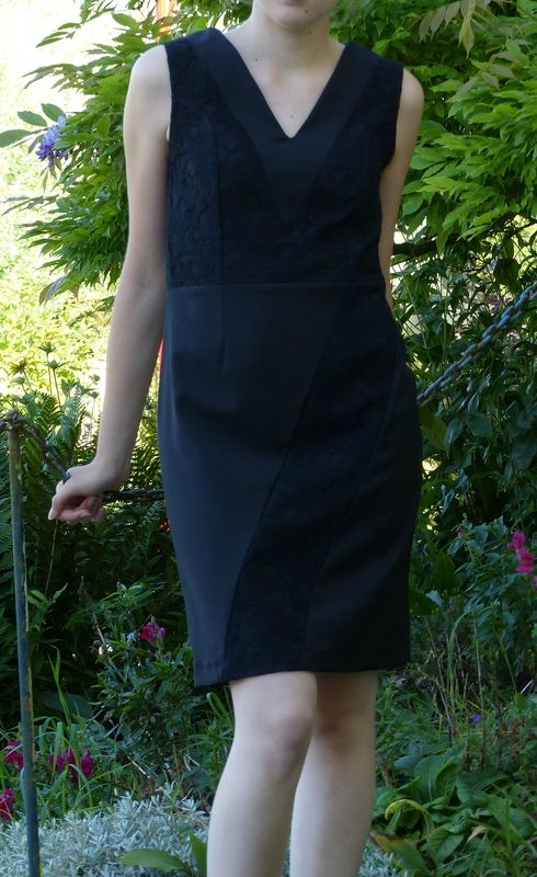 Robe noire bi-matière