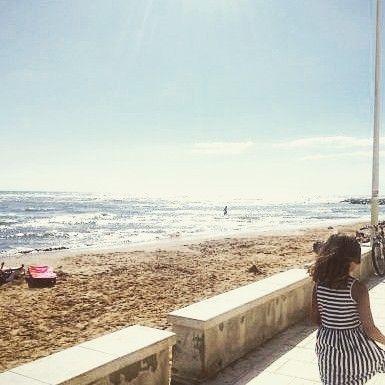 Buongiorno oggi rientro al lavoro le mie ferie sono finite. Ho ancora gli occhi pieni di luce e il mare addosso. Questo è il lungomare di Puntasecca (Rg) trovate l'articolo sul blog.  #ifoodsummer17 #goodmorning #buongiorno #travellers #sicily #igerscatania #sicilianbeach #siciliabedda #spiaggesiciliane #travellingram #stilllife #seaside