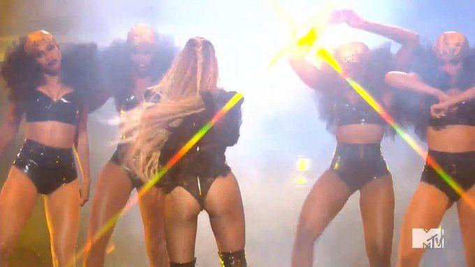 Beyonce live at the 2016 vmas video