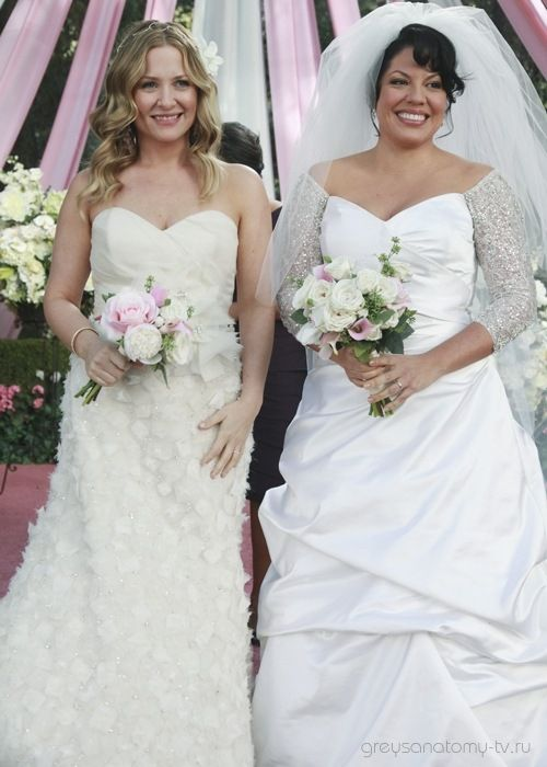Callie and Arizona! So help me, if Arizona dies this fall I'm gonna be *pissed*! (In a good-natured kinda way ;-)