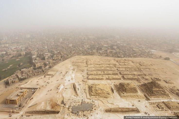 Ele escalou ilegalmente uma das pirâmides do Egito - e filmou tudo!