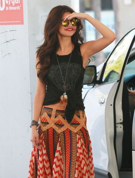 Selena Gomez And Ed Sheeran Dating; Taylor Swift Keeping Her Away From Justin Bieber