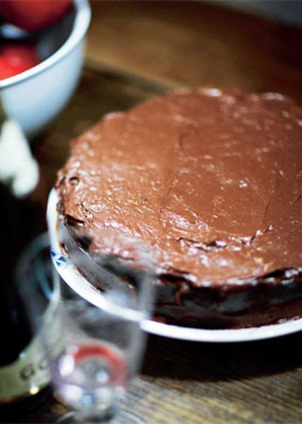 Få opskriften på Mississippi mud pie - en rigtig Spise med Price-dessert med chokolade, nødder og marshmallows.