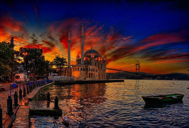 Ortaköy Mosque by Arif Unsal on 500px