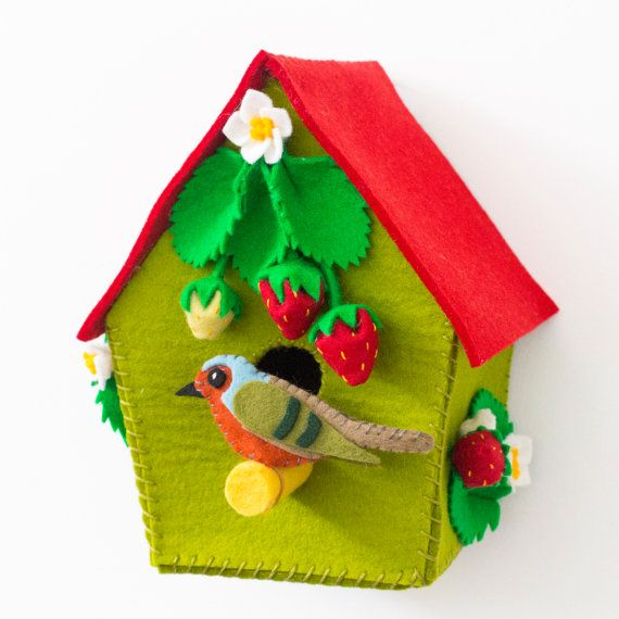 Decorative felt birdhouse for woodland themed nursery from Babes in the Woods. Available to buy on Etsy.com
