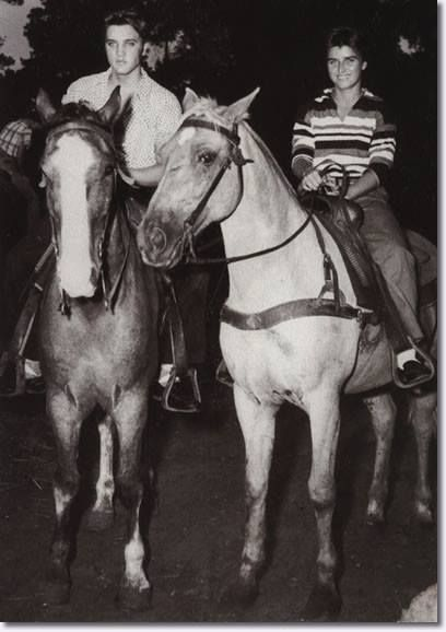 1967: ELVIS PRESLEY auctions off several items of horse-riding paraphernalia at his Circle G ranch in Horn Lake, MS.Two thousand fans and collectors came to Circle G for the public auction. Included in the sale were tractors, trailers, TV sets, and miscellaneous equipment.