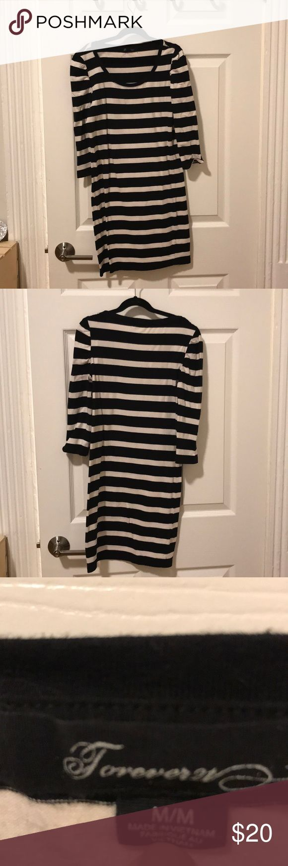 Striped Bodycon Dress M Black and white thick stripes bodycon dress from Forever 21. Size M. Fits true to size, very soft and comfortable. Forever 21 Dresses Mini