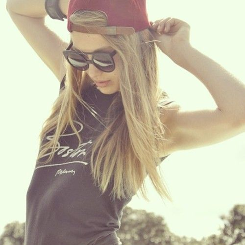 Snapbacks, red is a color of enthusiasm. http://www.wonderfulsnapbackswholesale.com/