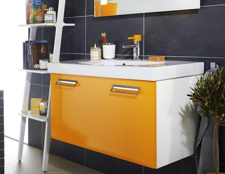 Badrumsskåp från Logic i färgen Crazy Orange lyser upp ditt badrum. | GUSTAVSBERG