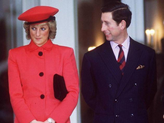 """Prinz Charles und Lady Diana gaben sich im Jahr 1981 das Ja-Wort. Die Ehe wurde 1996 geschieden. Am 31. August 1997 verstarb Diana. Nach wie vor gibt es Enthüllungen und Gerüchte rund um ihre Beziehung. Im April wird die neue Biografie """"Prince Charles: The Passions and Paradoxes of an Improbable Life"""" veröffentlicht. Darin schreibt Autorin Sally Bedell, der britische Thronfolger habe in der Nacht vor der Hochzeit mit Diana geweint."""