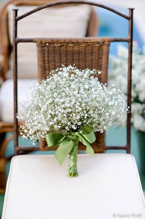 Bouquet de mosquitinhos (Gypsophila). Lindo e delicado. Combina com um casamento de dia e ao ar livre. Flores: Malu Frisoni | Foto: Rejane Wolff.