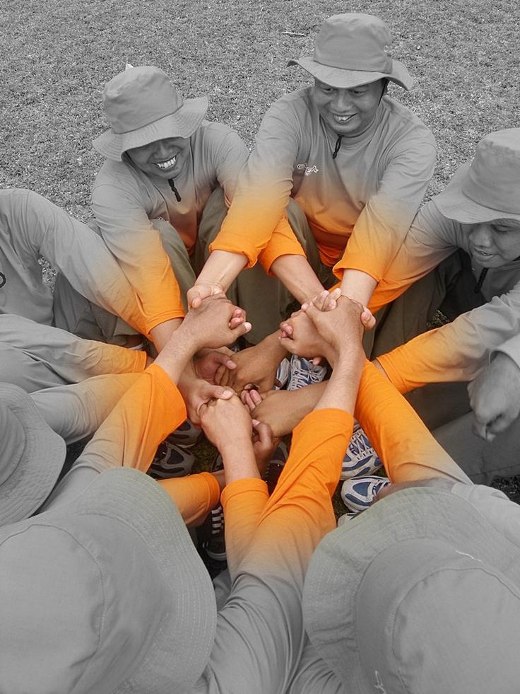 Outing plus : bounding, leadership, communication, team work