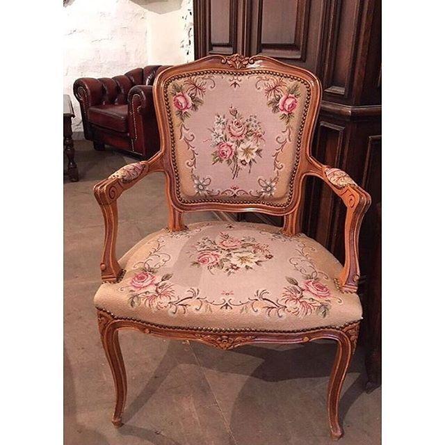 скидки на товар в наличии продолжаются до 01.10💰🔥новая цена 19 990💰🔥винтажное кресло с подлокотниками, гобелен, вышивка. 👼🌼72х47х88 см👼🌼#в_наличии_в_Буфеттабурет#красивыйинтерьер