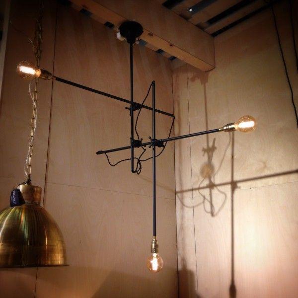 Lustre Tokyo noir - watt & VEKE #steampunk #indus #industriel #deco #decoration #interior #interieur #light #luminaire http://www.uaredesign.com/lustre-tokyo-watt-veke-noir-laque.html