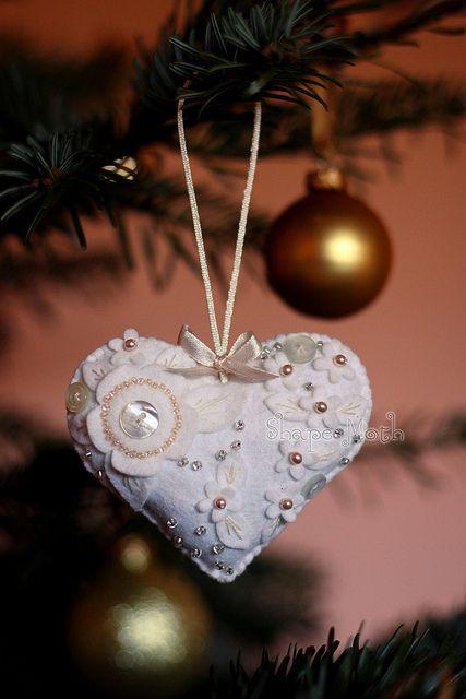 Christmas felt ornament by ShapeMoth, via Flickr
