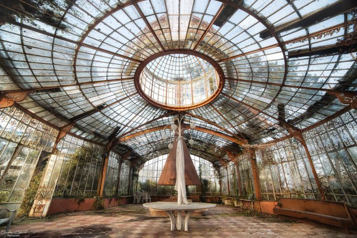 Abandoned Victorian conservatory, France [1280x853], © Quentin Chabrot U-derzho Photographe