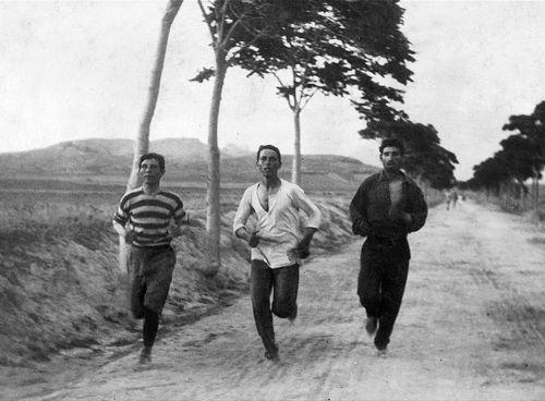 1896  Thefirst Olympic Marathonin thefirst modern Olympic Gamesin Athens.