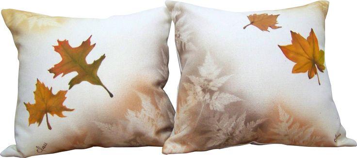 Cojines pintados a mano Hand painted pillows
