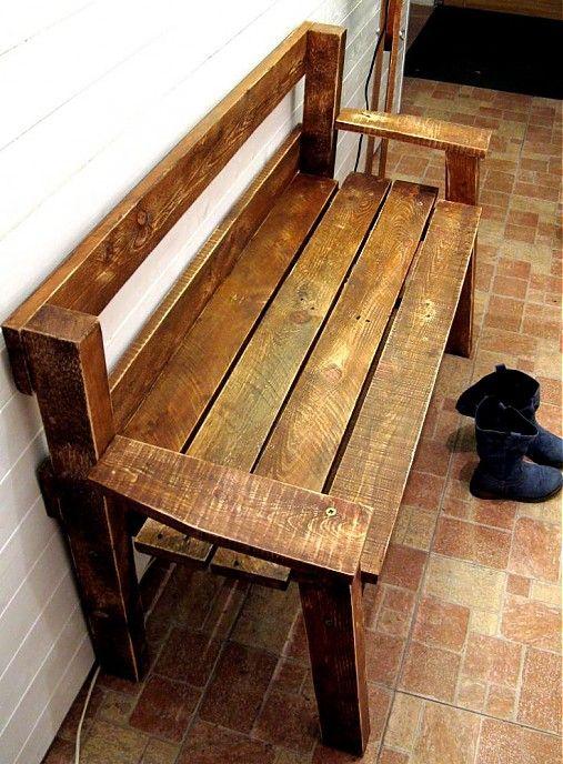 Snehurka sa nechce obúvať postojačky, tak má lavicu